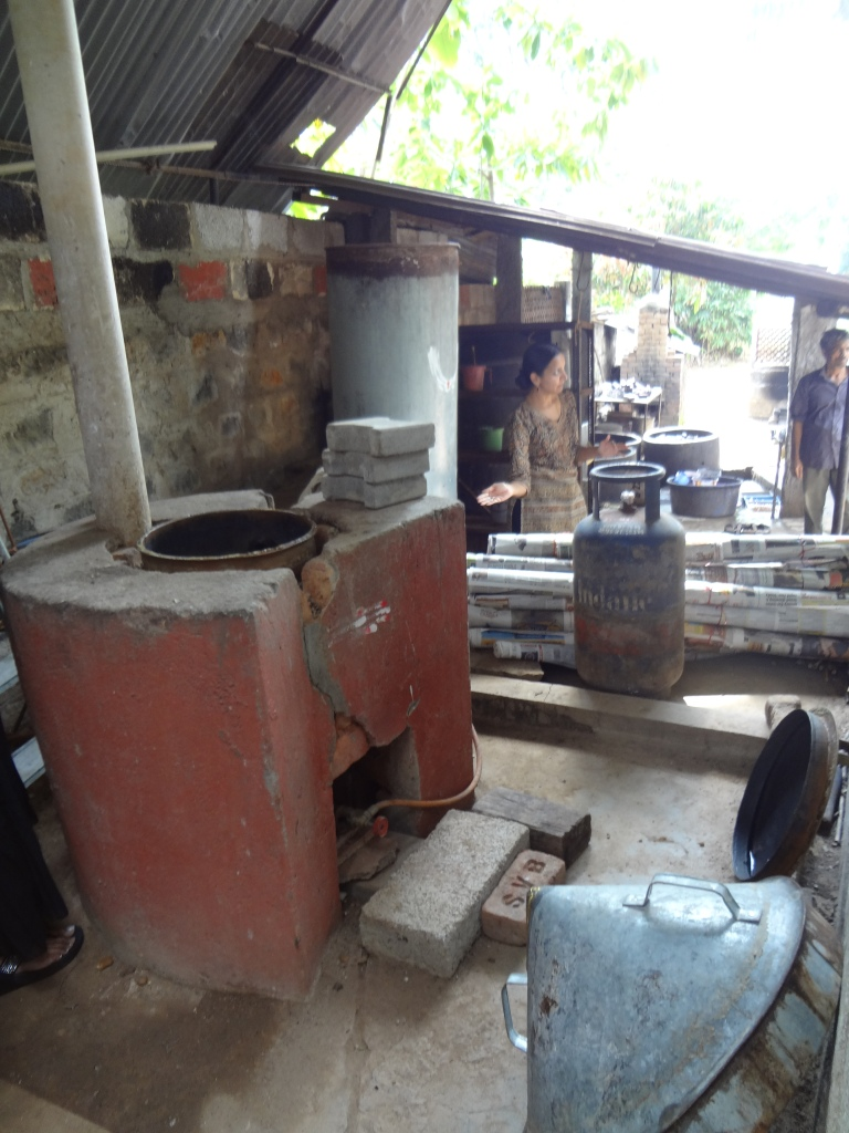 The steaming area for fixing silk dyes.